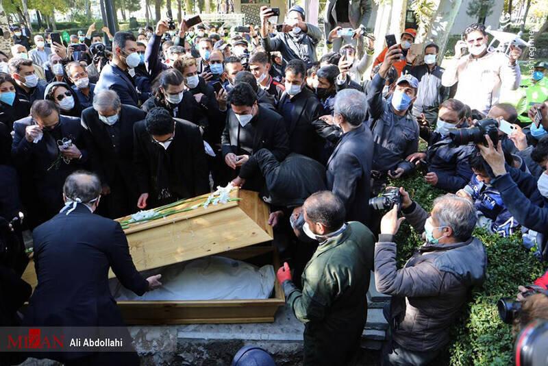 محمدرضا شجریان با نوای «ربنا» به خاک سپرده شد+تصاویر