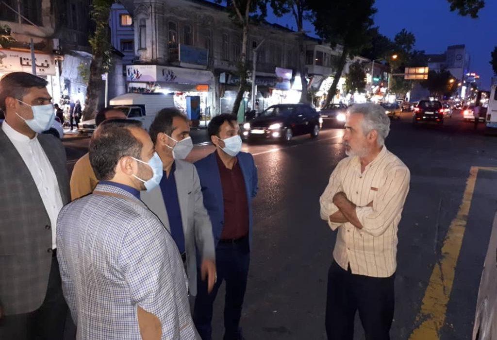 بازدید شهردار رشت از خطوط تاکسیرانی منتهی به پیاده راه فرهنگی و گفتگو با شهروندان در خصوص مشکلات تردد داخل شهر آنها
